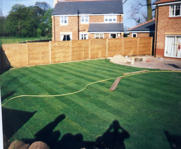 Garden design and build by crown lawns hull turf for Garden design new build house